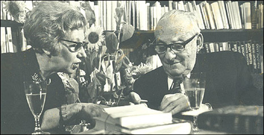Max Brod with his secretary, Esther Hoffe, Eva Hoffe's mother