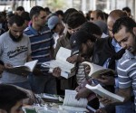 A book fair in Libya last week was so popular that many stalls ran out of books.