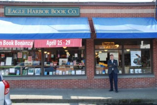 Eagle Harbor Book Co. (via Actin' Up With Books)
