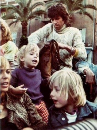 Keith Richards, Anita Pallenberg, and their son Marlon. From rollingstoned.tumblr.com