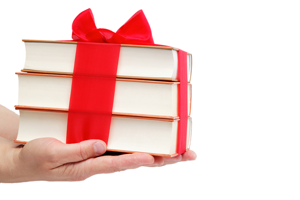 25 Unique (But Still Easy!) DIY Gifts For Book Lovers