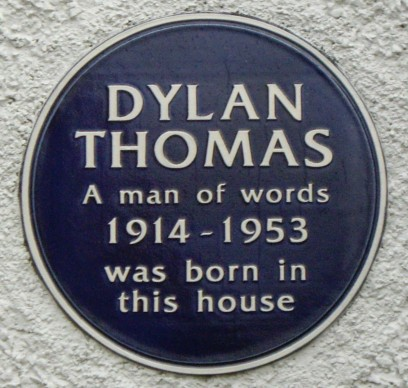 A newly discovered drinking song by Dylan Thomas will be published to celebrate the centenary of his birth. © John Levin | via Wikimedia Commons